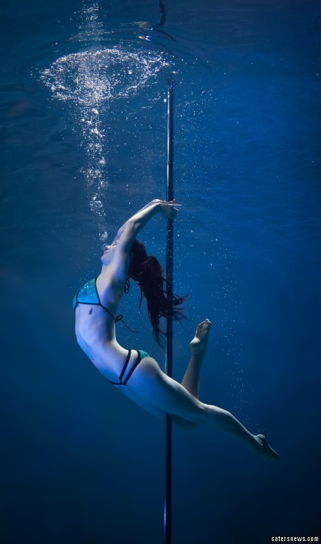 1_CATERS_UNDERWATER_POLE_DANCERS_02-457x773