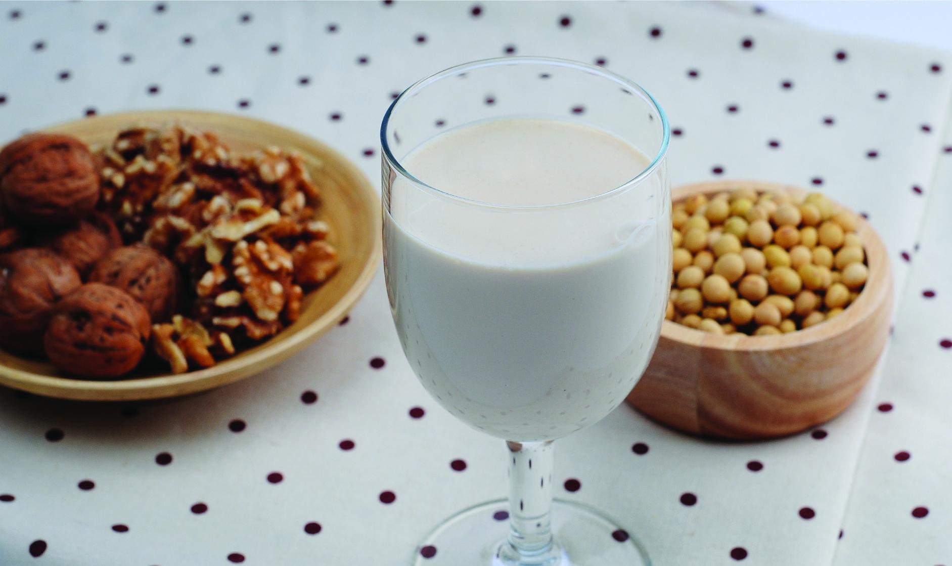 walnuts-soy