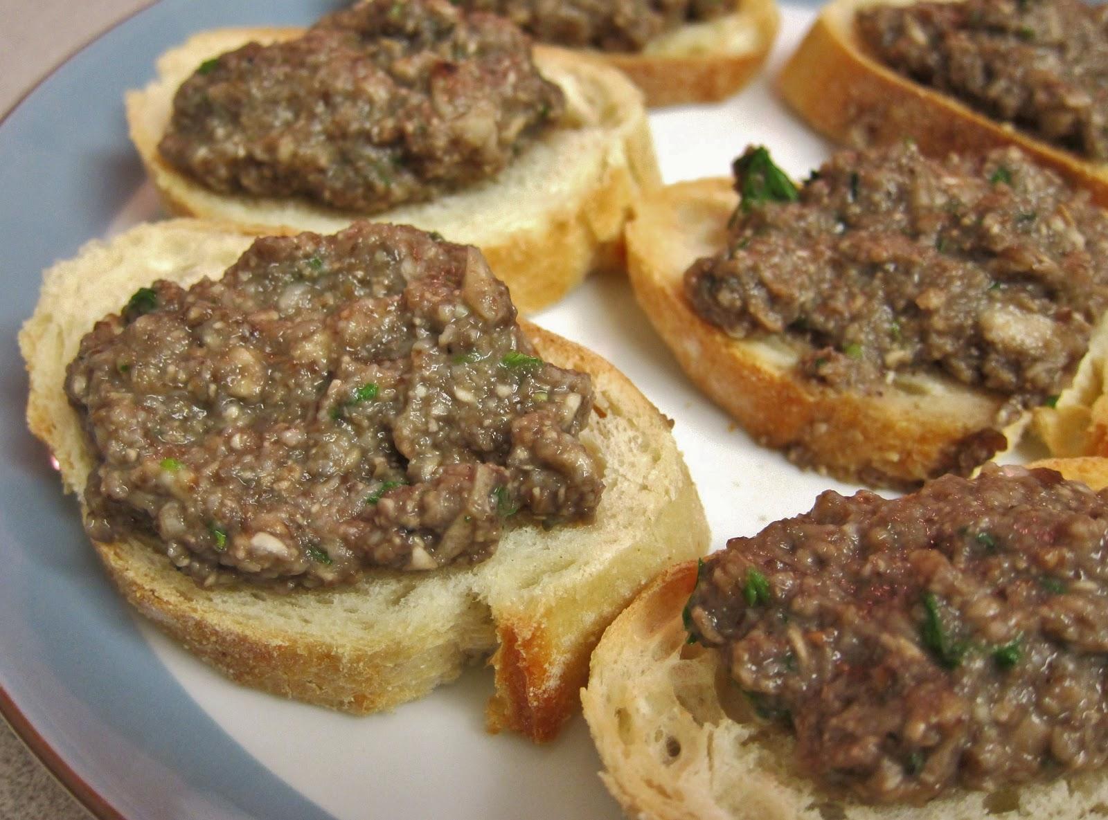 Mushroom Duxelles on Bruschetta (4)
