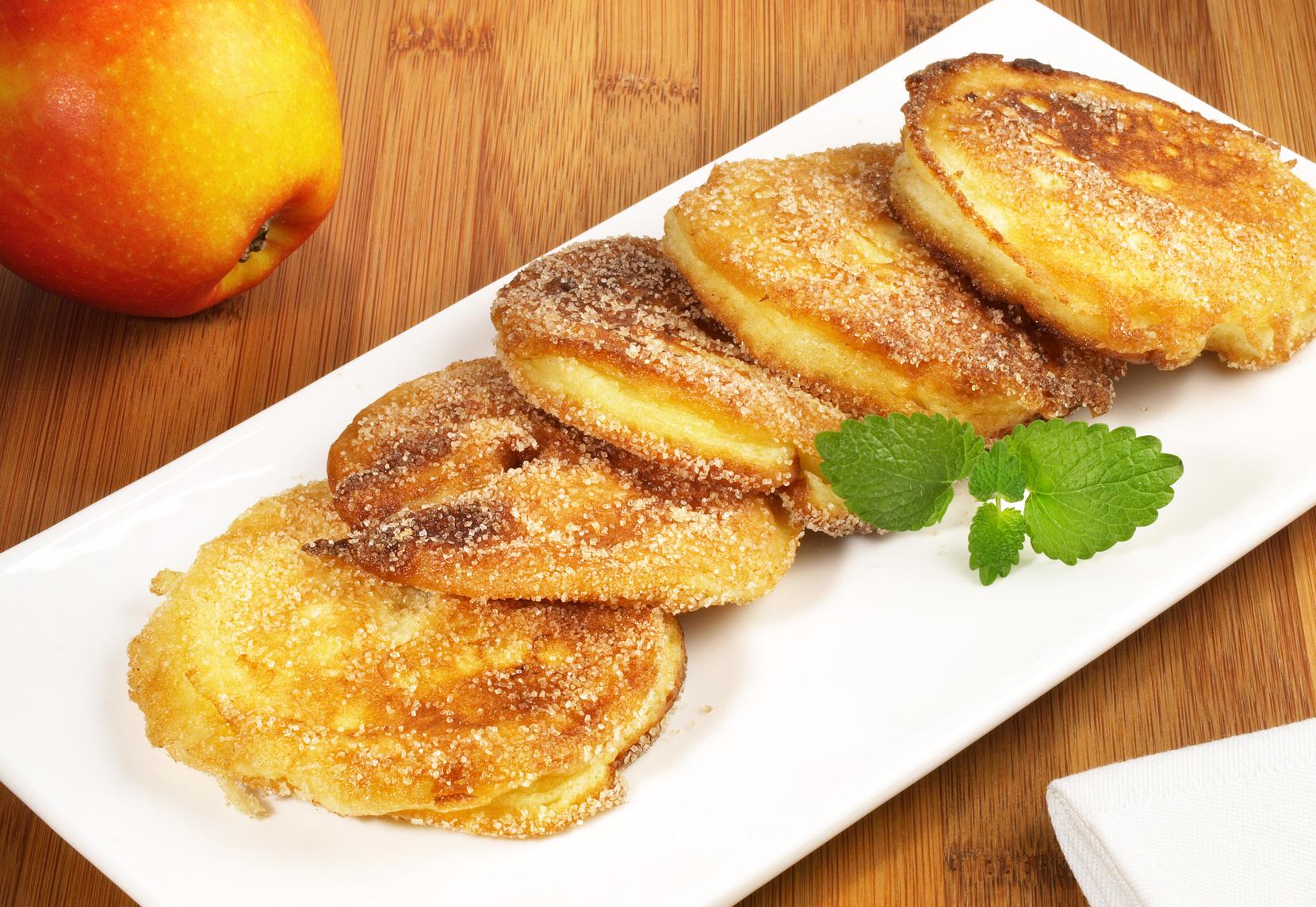 Apfelbeignets mit Zimtzucker