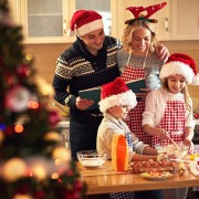 Christmas_Men_Winter_hat_Cook_Kitchen_Smile_554215_1280x853