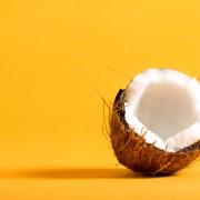 jedz-na-zdrowie_olej-kokosowy1-1024x682