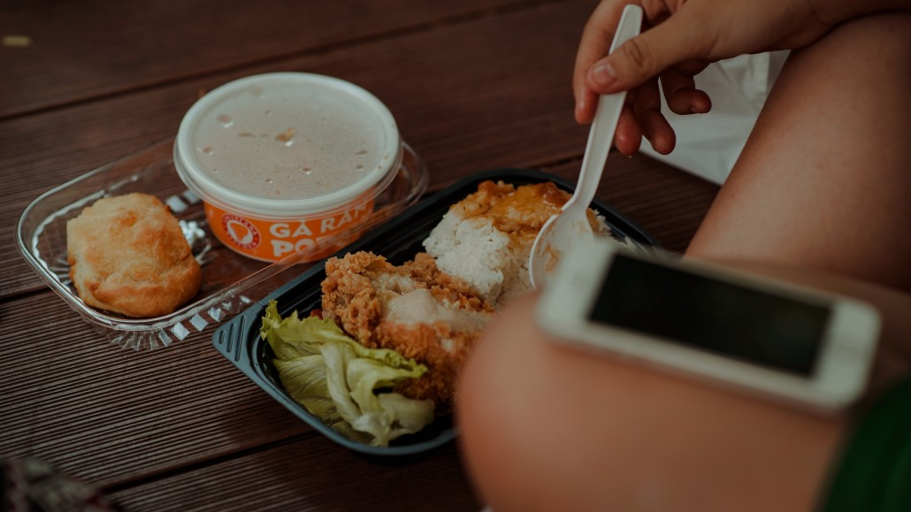 blur-delicious-dinner-793011