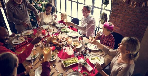 rodzina-razem-boze-narodzenie-celebracja-koncepcja_53876-46896