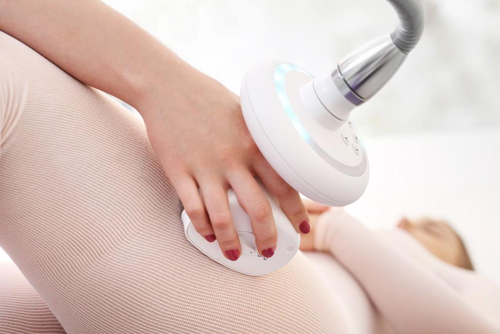 Redukcja cellulitu na udach.Masaż podciśnieniowy skuteczna walka z pomarańczową skórką na udach.